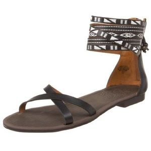 Nine West Captivate strappy flat sandal